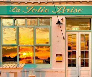 La Jolie Brise is open for Business!