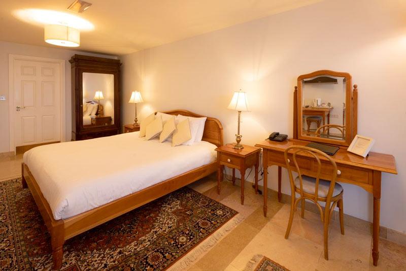 room12b Accommodation